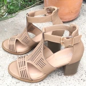 Shoes - PERFORATED ANKLE STRAP HEEL